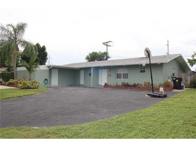 2424 Ware Drive, West Palm Beach, FL 33409