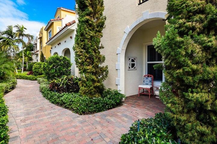 3663 Vintage Way 24, West Palm Beach, FL 33405