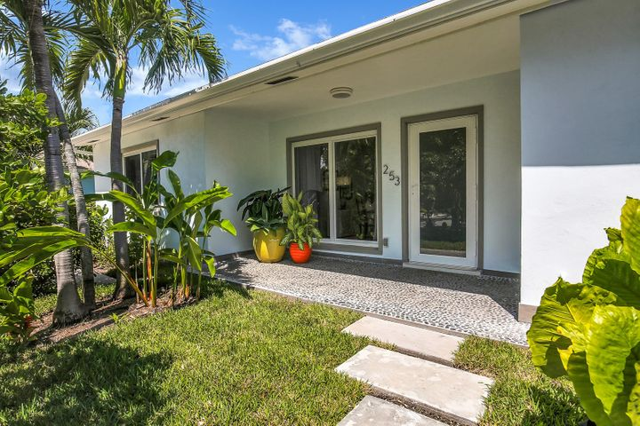253 Costello Road, West Palm Beach, FL 33405