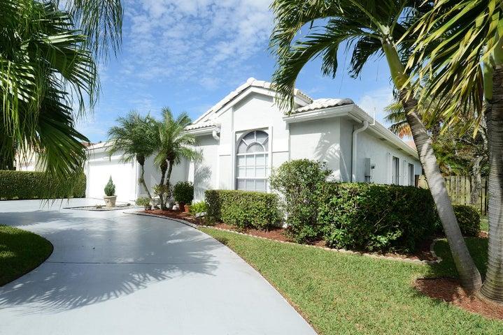 4900 Broadstone Circle, West Palm Beach, FL 33417