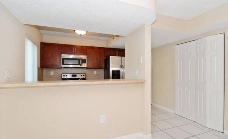 130 Riviera Circle 6-1, Weston, FL 33326