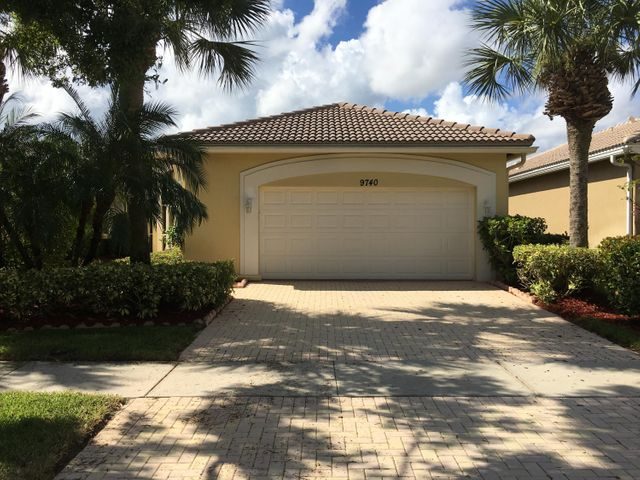9740 Egret Chase Lane, West Palm Beach, FL 33411
