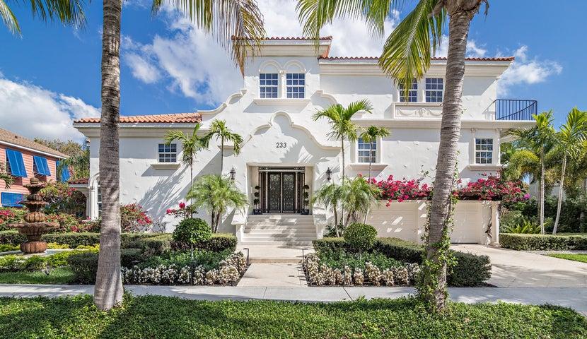 233 Pershing Way, West Palm Beach, FL 33401