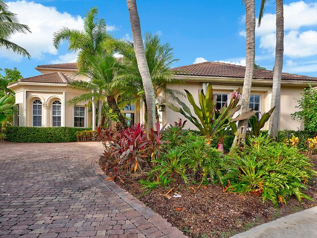 A photo of 221 Coconut Key Dr.