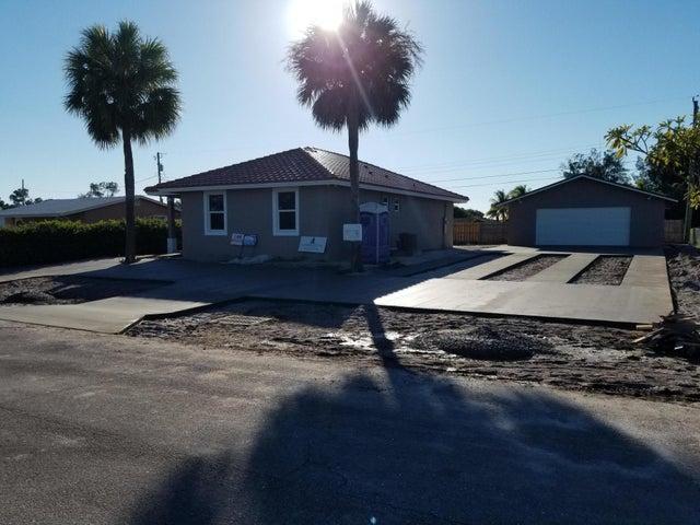 1553 W Breezy Lane, West Palm Beach, FL 33417