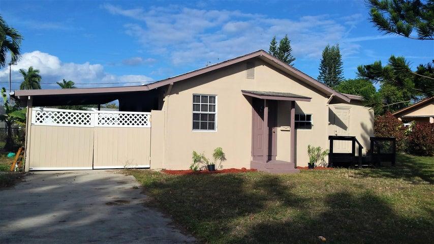 317 E Obispo Avenue, Clewiston, FL 33440
