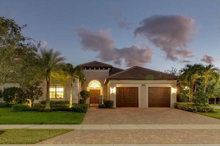 A photo of 150 Gardenia Isles Dr.