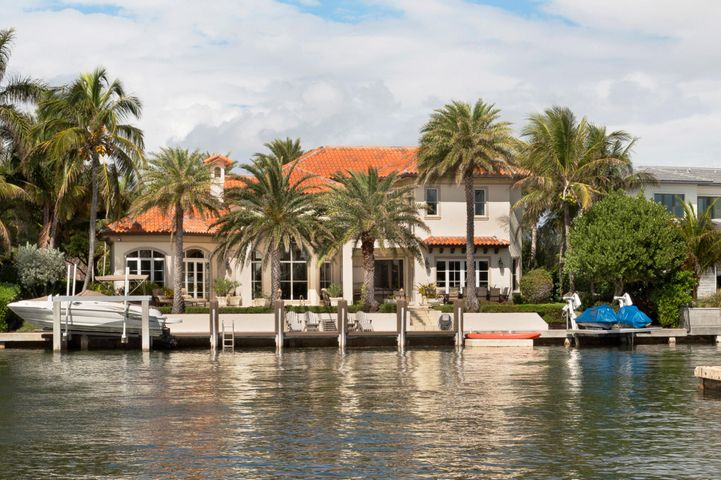 A photo of 88 Island Dr. S