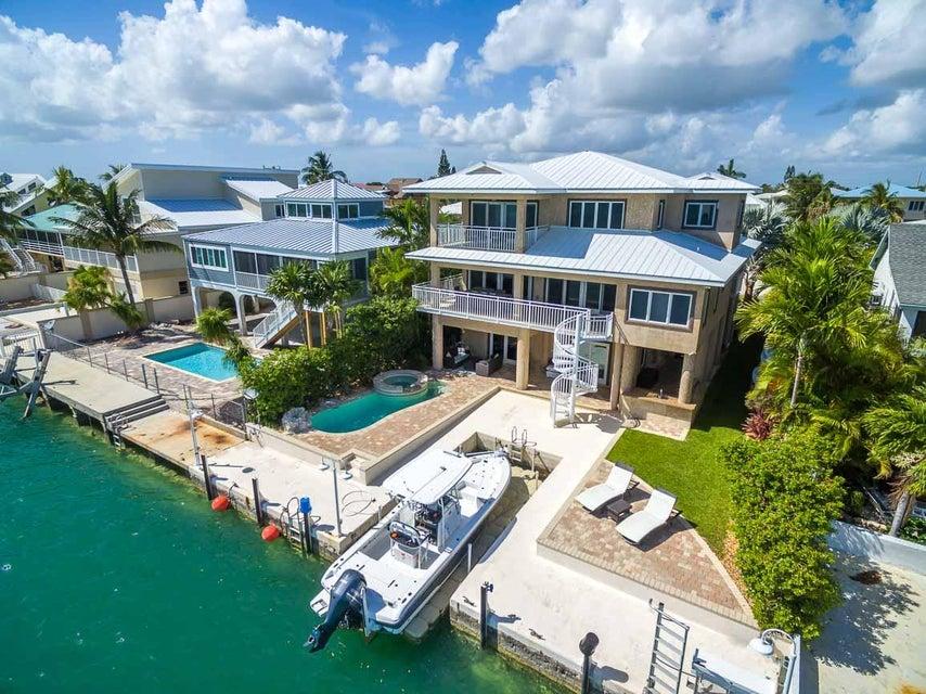 414 CARIBBEAN Drive E, Summerland Key, FL 33042