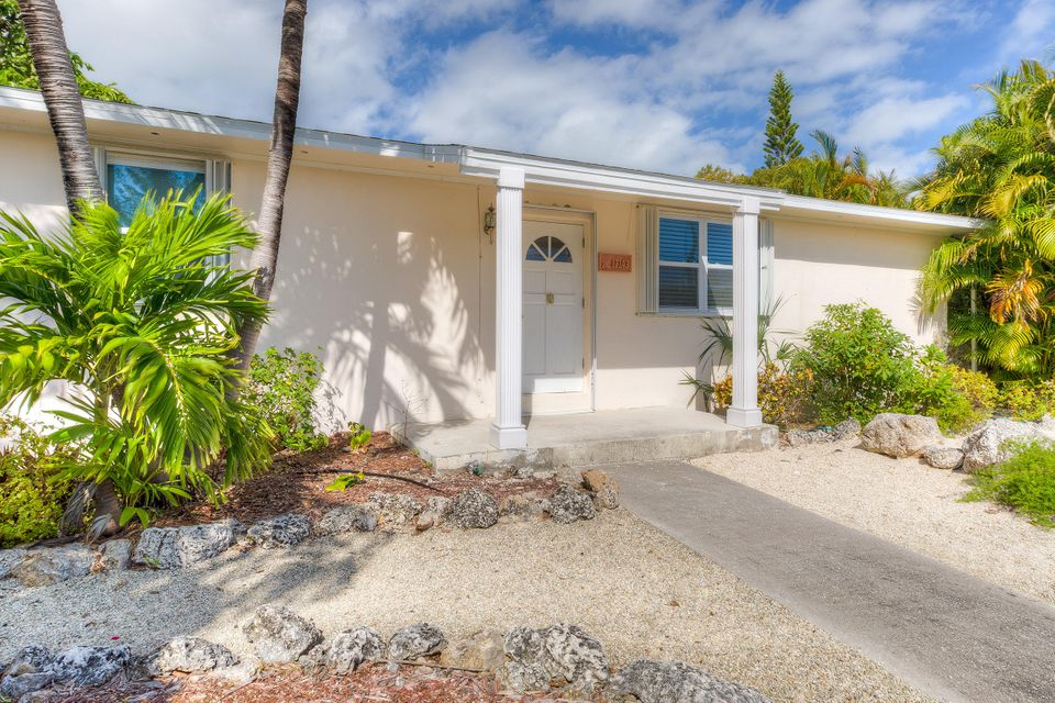 17143 Coral Drive, Sugarloaf Key, FL 33042