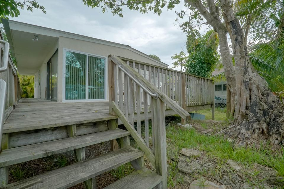 29787 Henry Lane, Big Pine Key, FL 33043