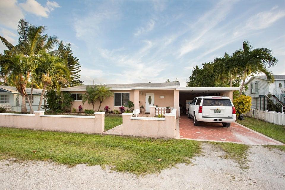 108 Shore Avenue, Big Coppitt, FL 33040