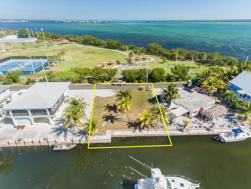 31126 Atlantis Drive, Big Pine Key, FL 33043