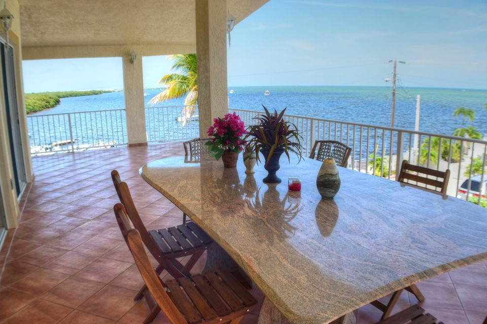 300 Little Miss Muffett Lane, Key Largo, FL 33037