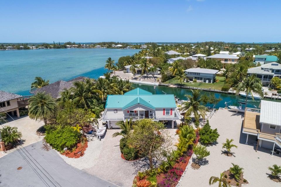 17049 Bonefish Lane W, Sugarloaf Key, FL 33042