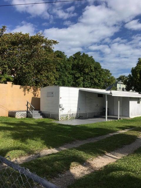 317 Avenue D, Big Coppitt, FL 33040
