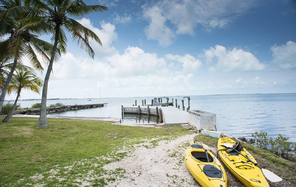 110 Shore Drive E, KEY LARGO, FL 33037