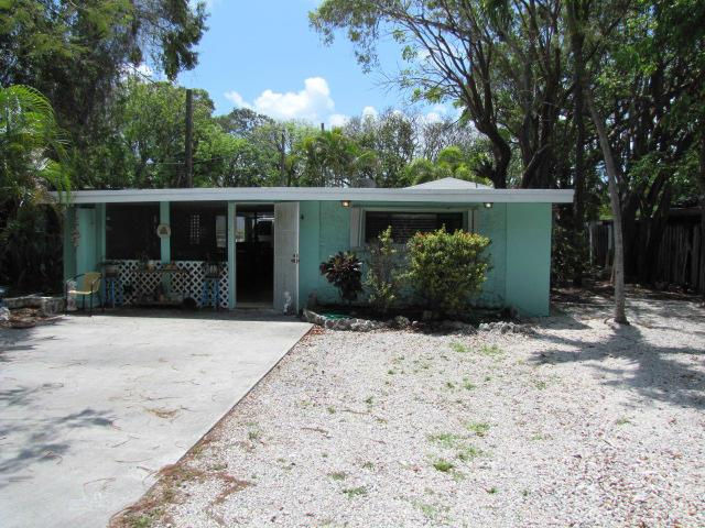 84 Le Grand Drive, Key Largo, FL 33037