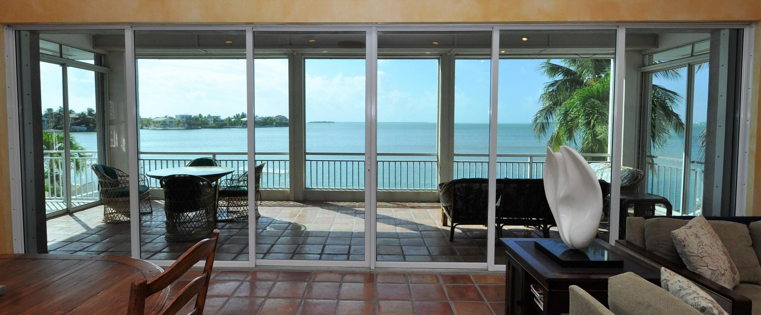 556 Caribbean Drive E, Summerland Key, FL 33042