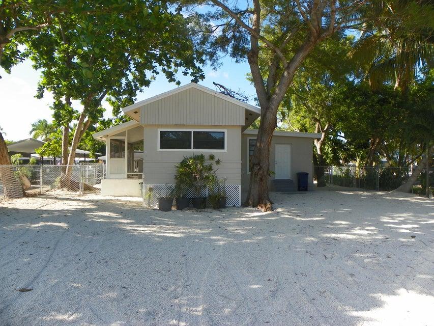 421 Bahia Honda Road, Key Largo, FL 33037