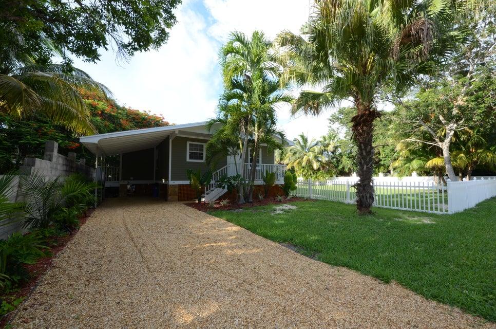 19423 Seminole Street, Sugarloaf Key, FL 33042