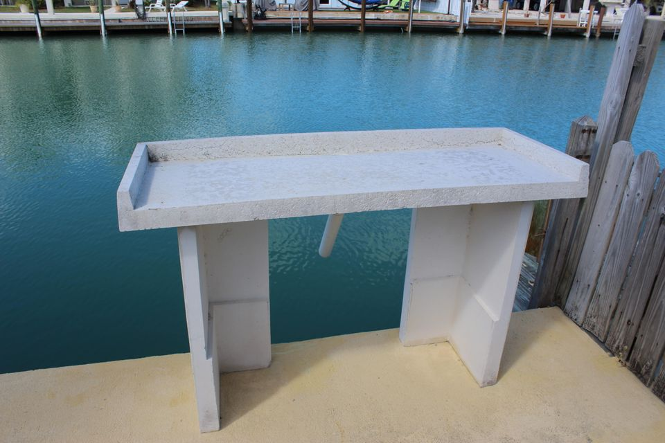 Concrete Fish Cleaning Table