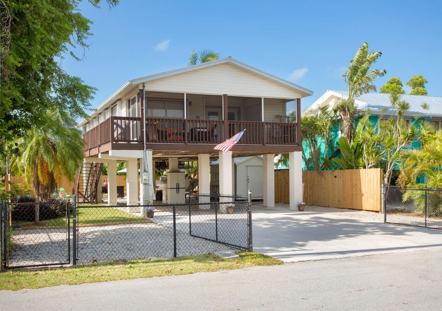 19516 Seminole Street, Sugarloaf, FL 33042