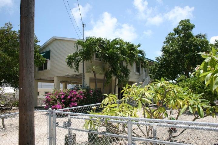 111 Caloosa Street, Plantation Key, FL 33070