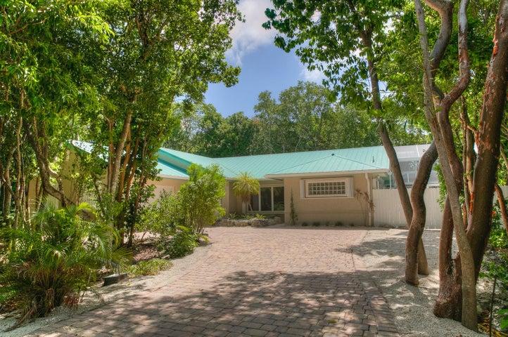 18 Flamingo Hammock Road, Upper Matecumbe Key Islamorada, FL 33036