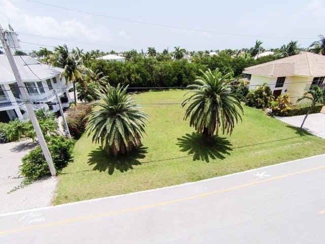 230 15th Circle, Key Colony, FL 33051