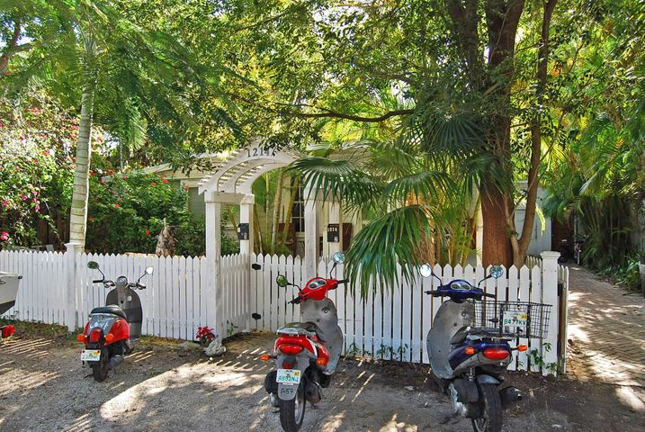 1214 Seminary Street, Key West, FL 33040