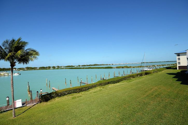6014 Marina Villas Drive, Hawks Cay Resort, Duck Key, FL 33050