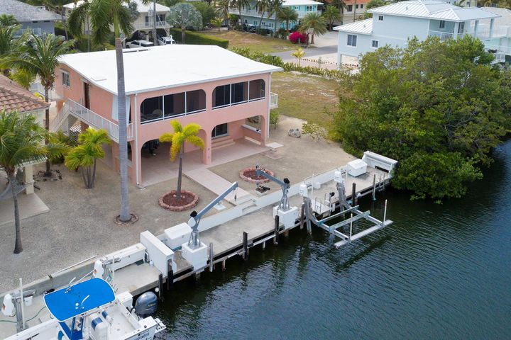 68 W Plaza del Lago Drive, Lower Matecumbe, FL 33036