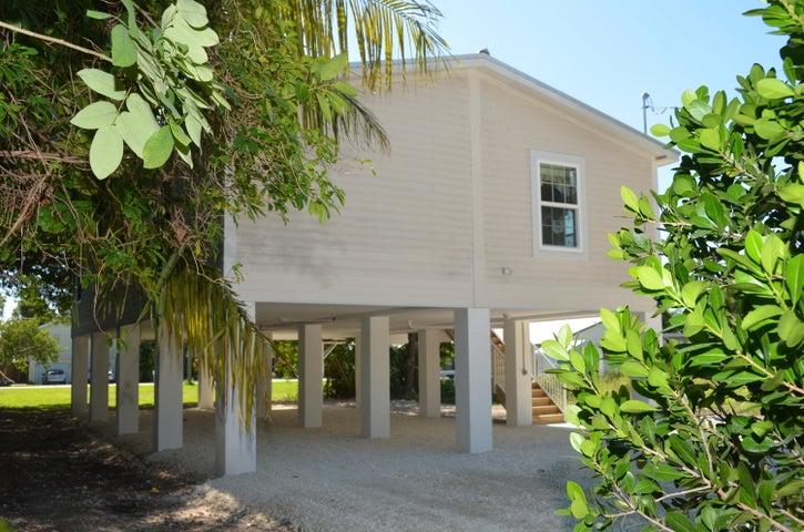 19517 Caloosa Street, Sugarloaf Key, FL 33042