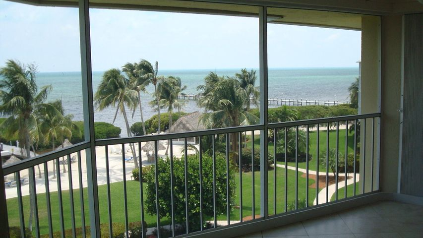 Tropically landscaped 12 acres