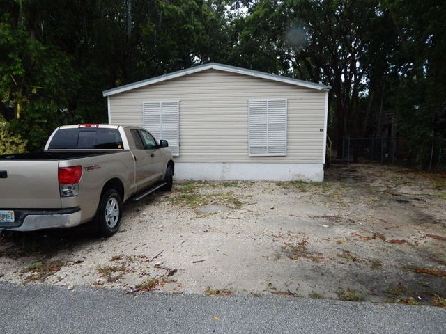 3 Oakwood Avenue, Key Largo, FL 33037