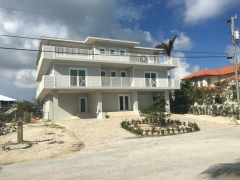 66 S Andros Road, Key Largo, FL 33037