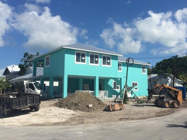 266 Bougainvillea Street, Plantation Key, FL 33036