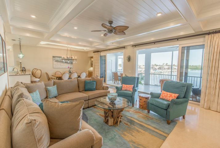 This top floor end unit is sensational! Just look at that coffered ceiling!