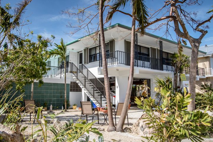 360 E Seaview Drive, Duck Key, FL 33050