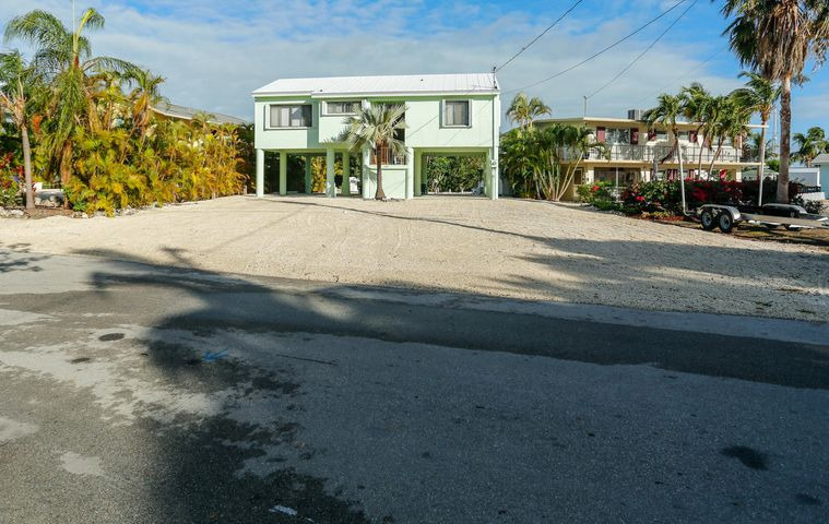 289 Woods Avenue, Plantation Key, FL 33070