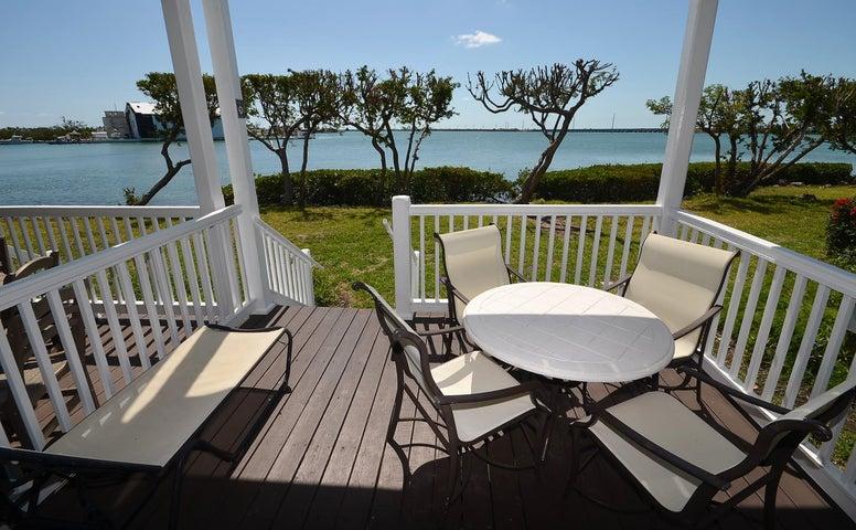 5043 Sunset Village Drive, Hawks Cay Resort, Duck Key, FL 33050