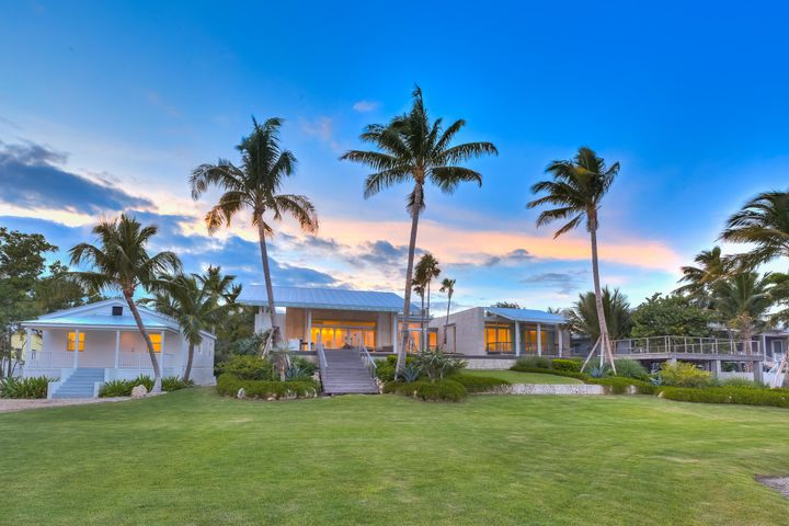 Ballast Trail 5,445 sq. ft. Contemporary Residence on 4 Acres with 190' on the ocean and dockage.