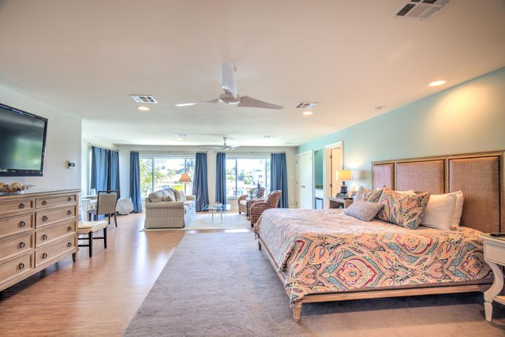 470 10Th Street, Key Colony, FL 33051
