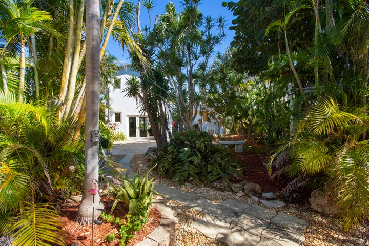 551 Pine Lane, Big Pine Key, FL 33043