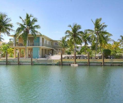 100' dock, pool