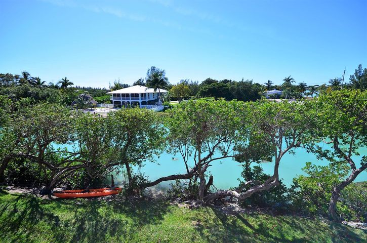 5111 Sunset Village Drive, Hawks Cay Resort, Duck Key, FL 33050