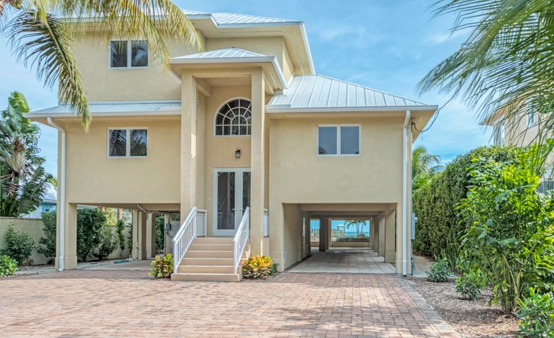 875 E Shore Drive, Summerland Key, FL 33042