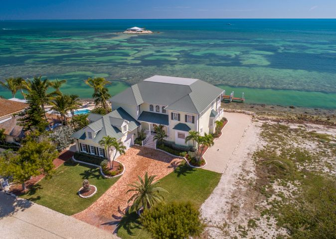 Beautiful oceanfront home located on Tingler Island