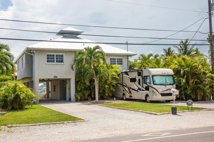 Home and RV Parking